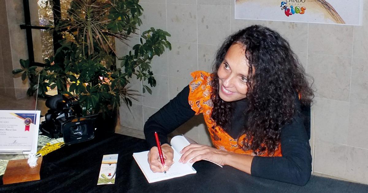 """Manuela de Castro: """"O livro tem uma mensagem que pode levar à reflexão"""""""