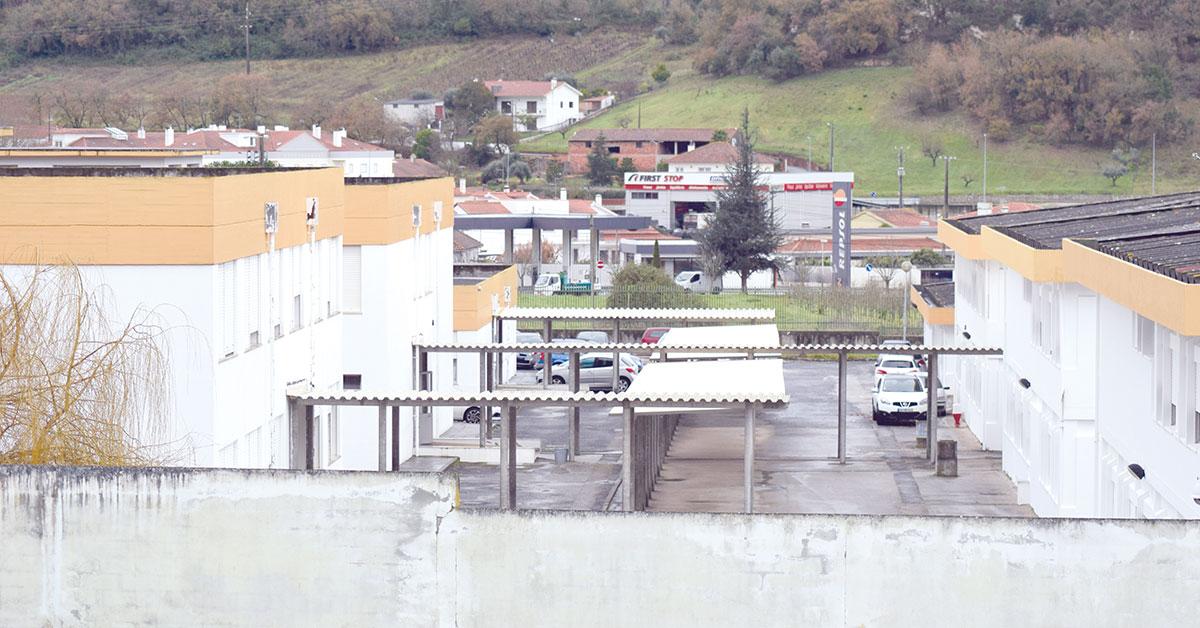 Duas escolas do concelho ainda tem amianto