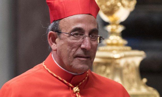 Bispo vem a Porto de Mós