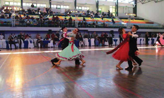 """Meio milhar de bailarinos traz """"glamour"""" ao concelho"""