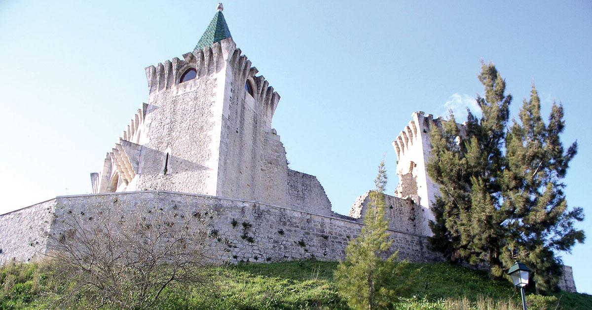 Cedência do Castelo de Porto de Mós alterada