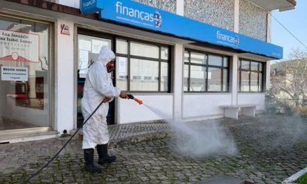 Câmara de Porto de Mós desinfeta espaços públicos do concelho