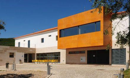 Porto de Mós disponibiliza 80 camas para profissionais de saúde e segurança