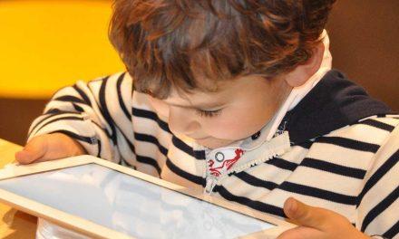 "Câmara disponibiliza ""tablets"" e ""hotspots"" a alunos carenciados"