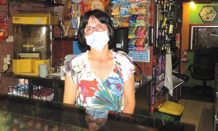Falta de dinheiro e confiança dos clientes mina quotidiano de cafés após reabertura
