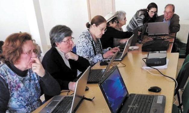 População sénior procura aulas de Informática para conhecer redes sociais