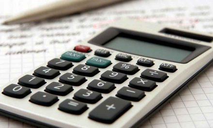 Orçamento aprovado com nove votos contra e três abstenções