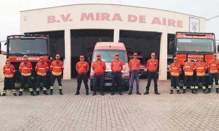 """Origem externa de casos de COVID-19 entre bombeiros """"tranquiliza"""" comandantes"""