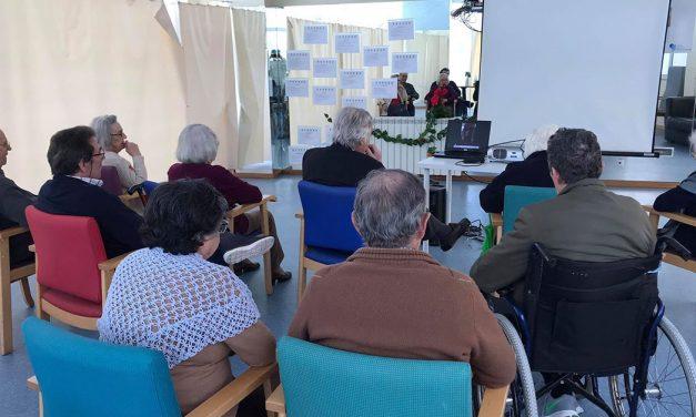 Idosos isolados recebem vídeos solidários dos Amigos das Letras