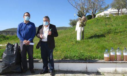 Câmara de Porto de Mós entrega 100 armadilhas contra a vespa asiática às Juntas