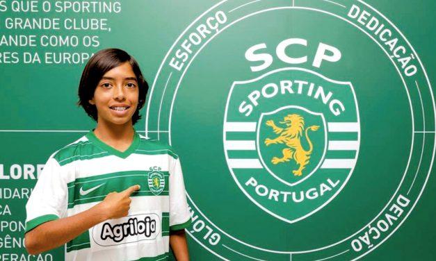 Tomás Mendes assina contrato com o Sporting