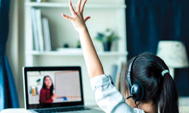 Como a noite e o dia, assim são as diferenças entre aulas online e presenciais
